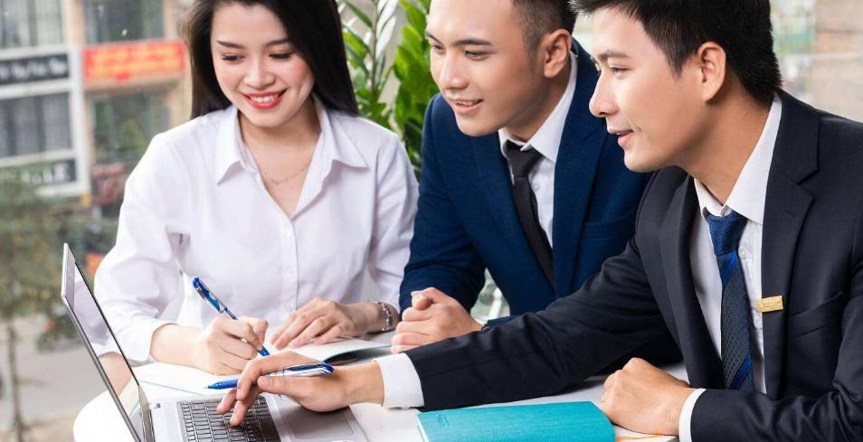 Lời khuyên tài chính quan trọng cho mọi giai đoạn của cuộc đời bạn